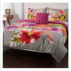Other - Floral Michelle Williams 4-Piece Duvet Set Queen